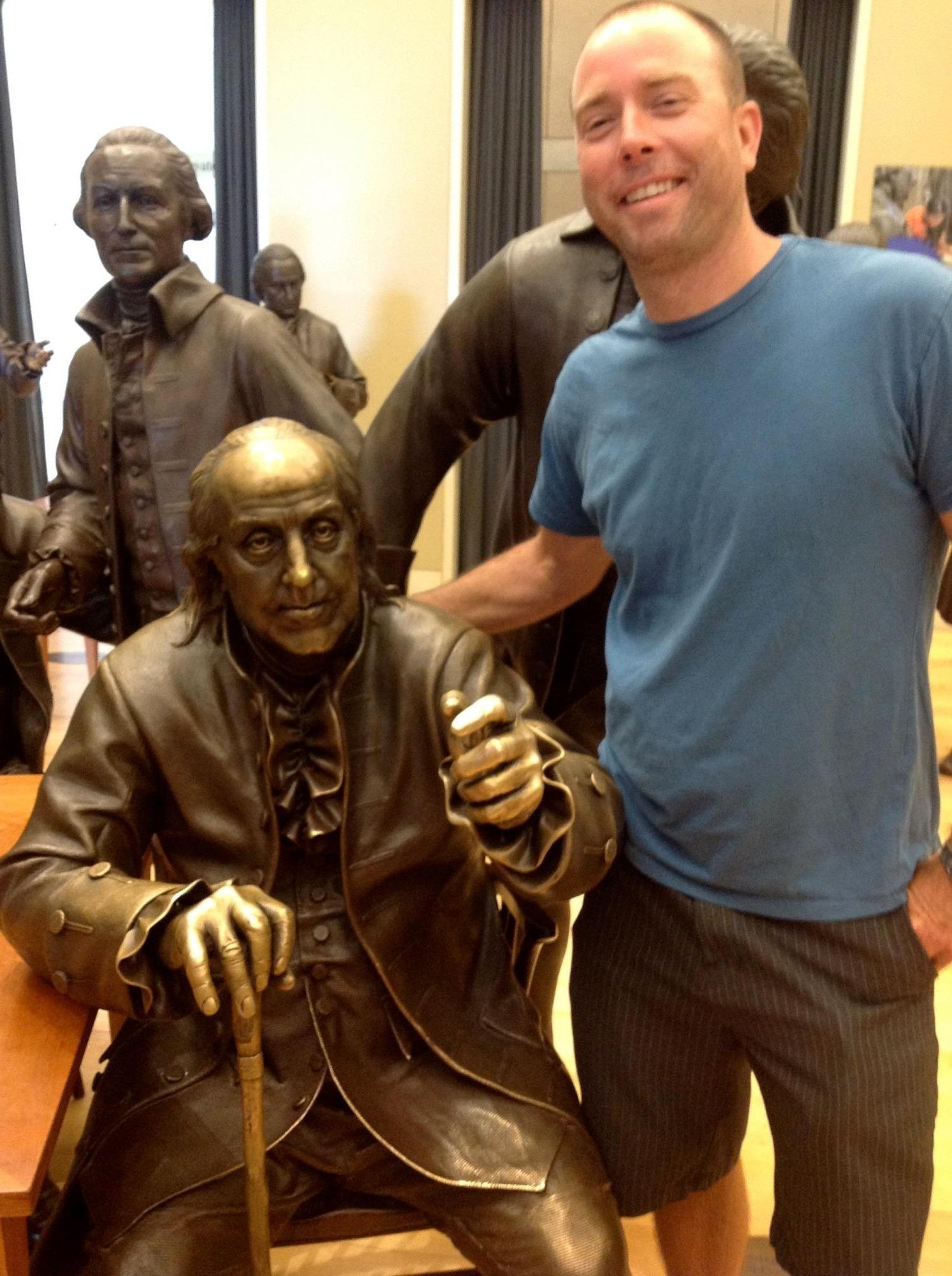 Picture of Mr. Newcomer with a Ben Franklin statue